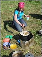 Latosha за приготовлением CITO-супа (c) Dionis57