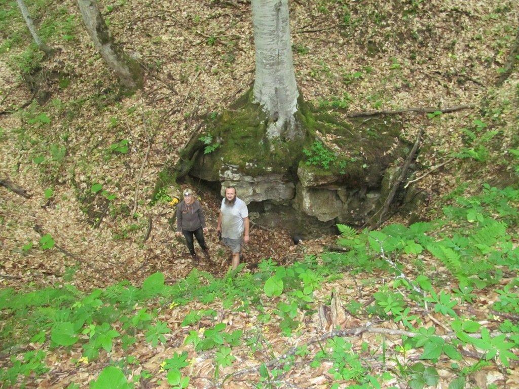 вход в пещеру Духан