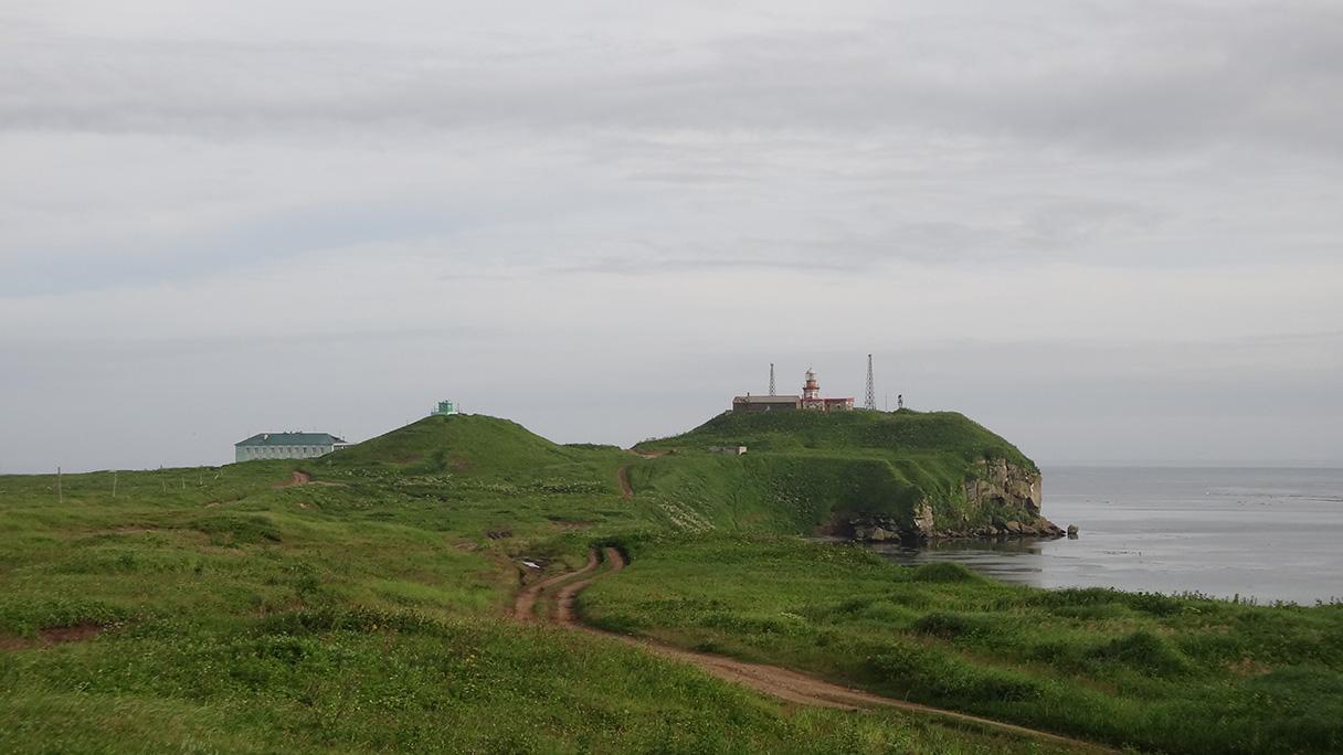 На берегу пролива Лаперуза. Мыс Крильон :: Геокэшинг: http://www.geocaching.su/?pn=101&cid=13175