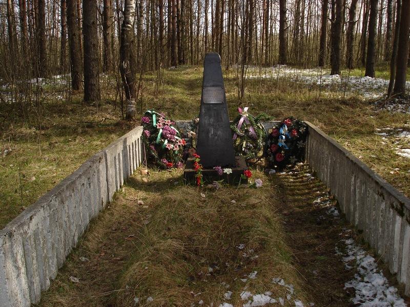 Памятник с крестом на просвет Дубровка (14 линия) памятник с ангелом Суздаль